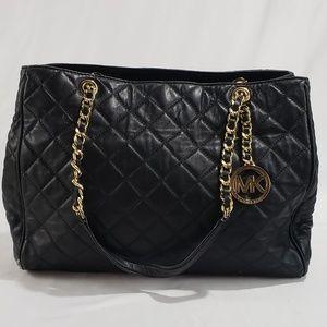 dc97944510 Michael Kors Savannah Black Leather Shoulder Bag